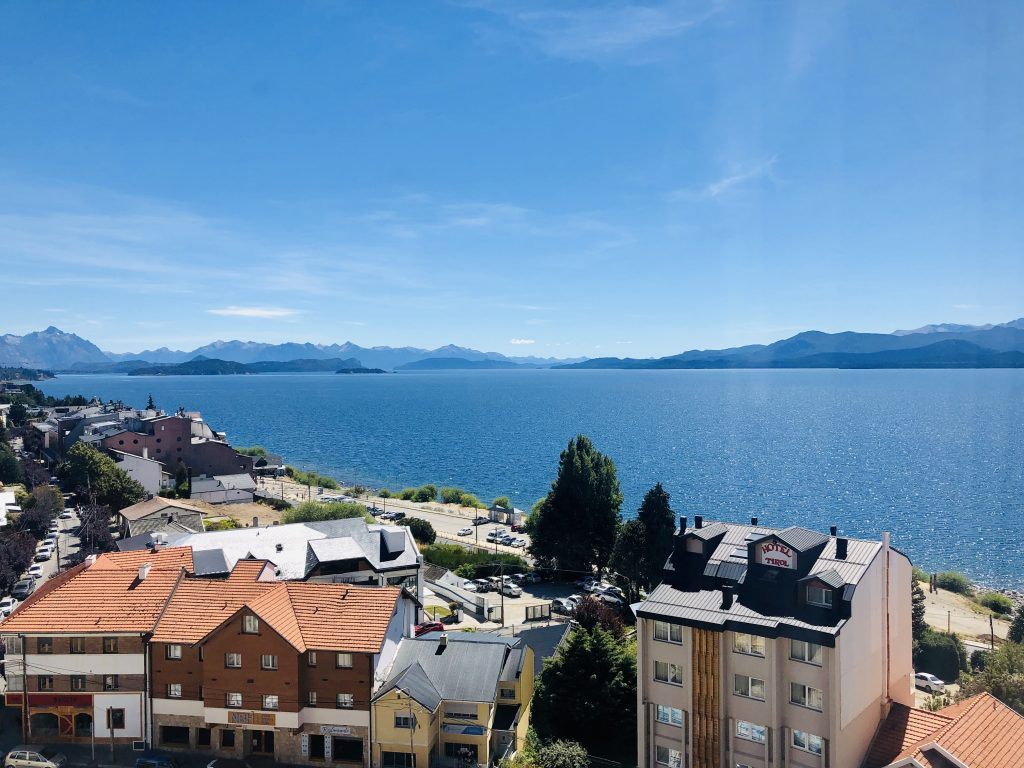 A photo of the lake in Bariloche