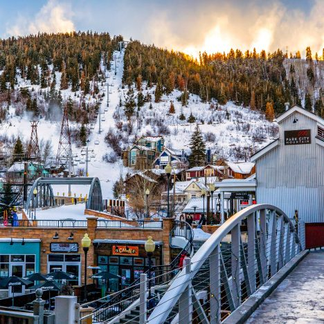 Best Winter Trips in the U.S: 21 Epic Locations!