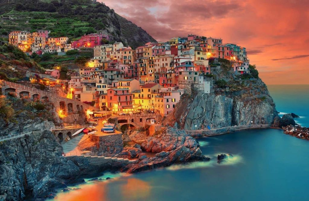 Cinque Terre is one of the most iconic and prettiest cities in Italy.