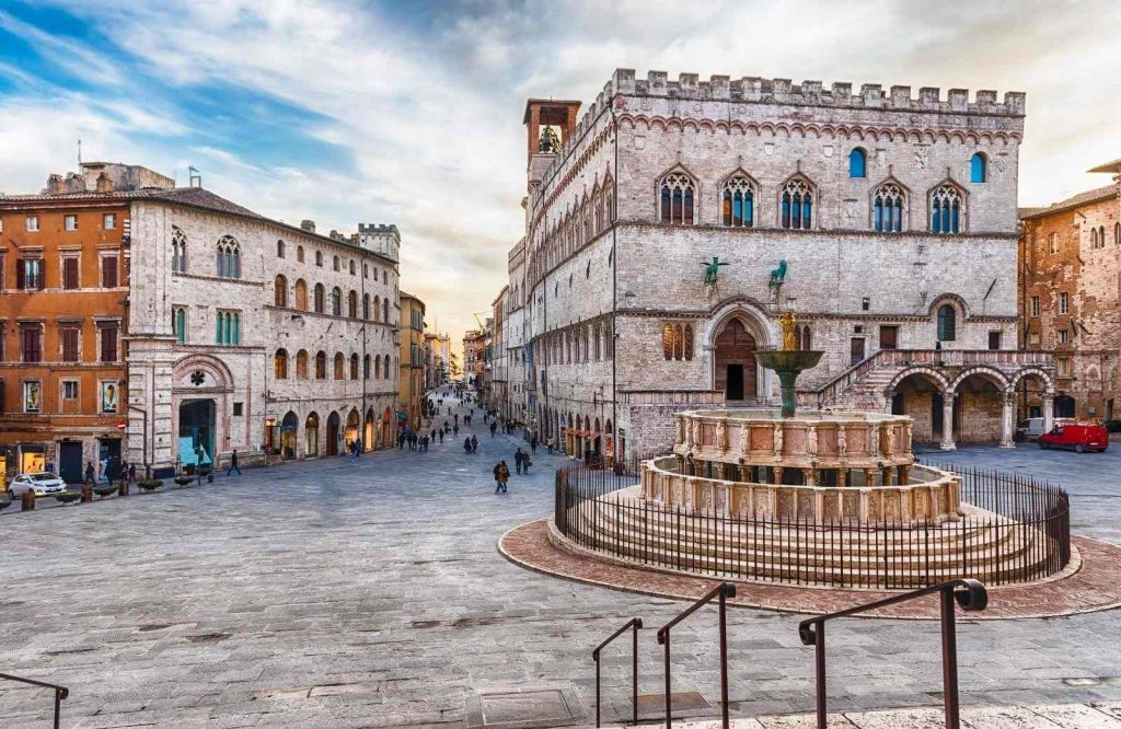 If you're looking for the prettiest cities in Italy, add Perugia to your list.