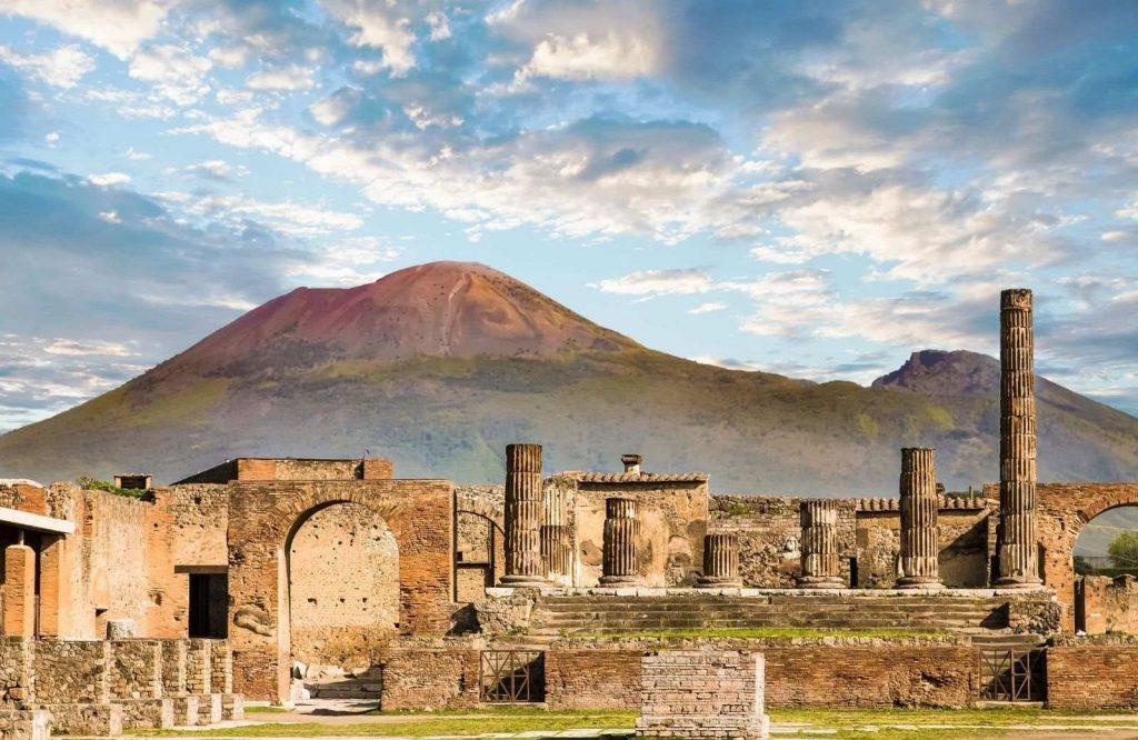 Pompeii definitely makes the list of prettiest cities in Italy.