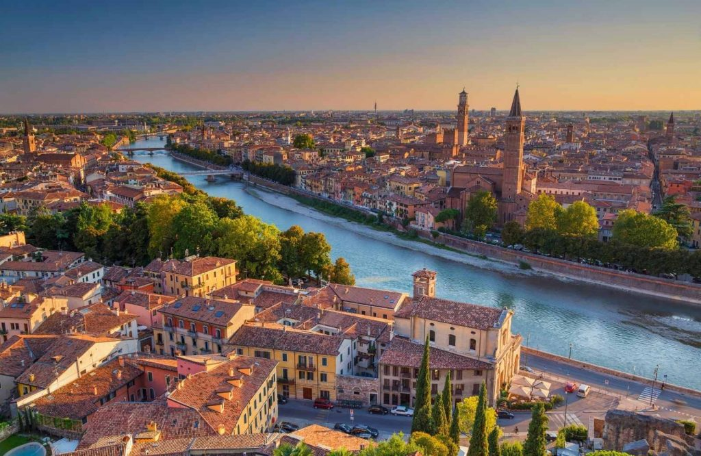 Verona is charming and one of the prettiest cities in Italy.