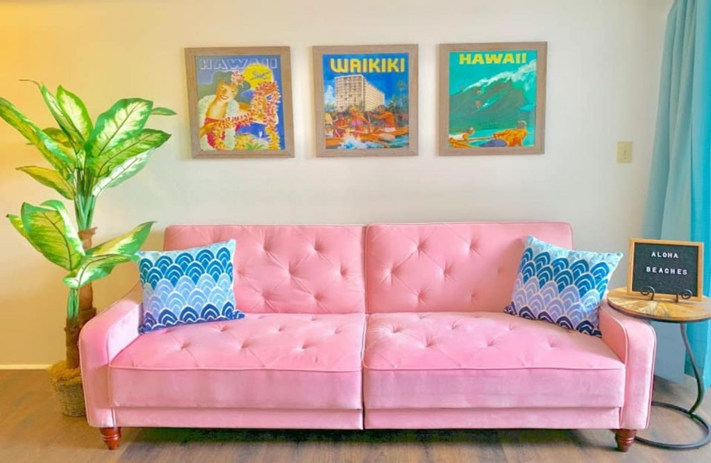 There are so many beautiful Airbnbs in Hawaii.