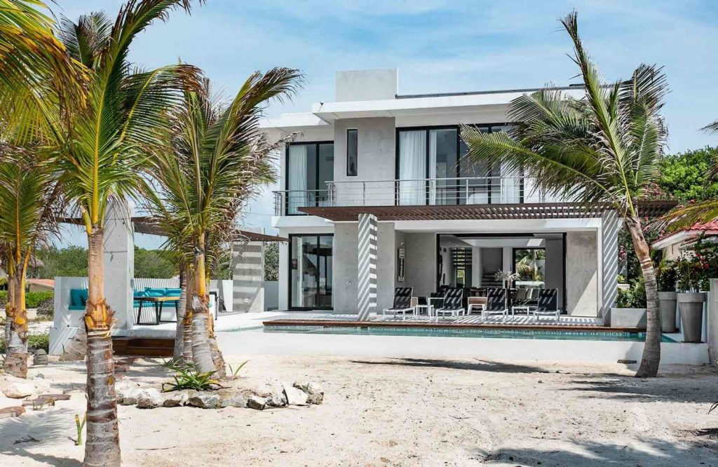 Villa Carrera is one of the best Airbnbs in Cancun.