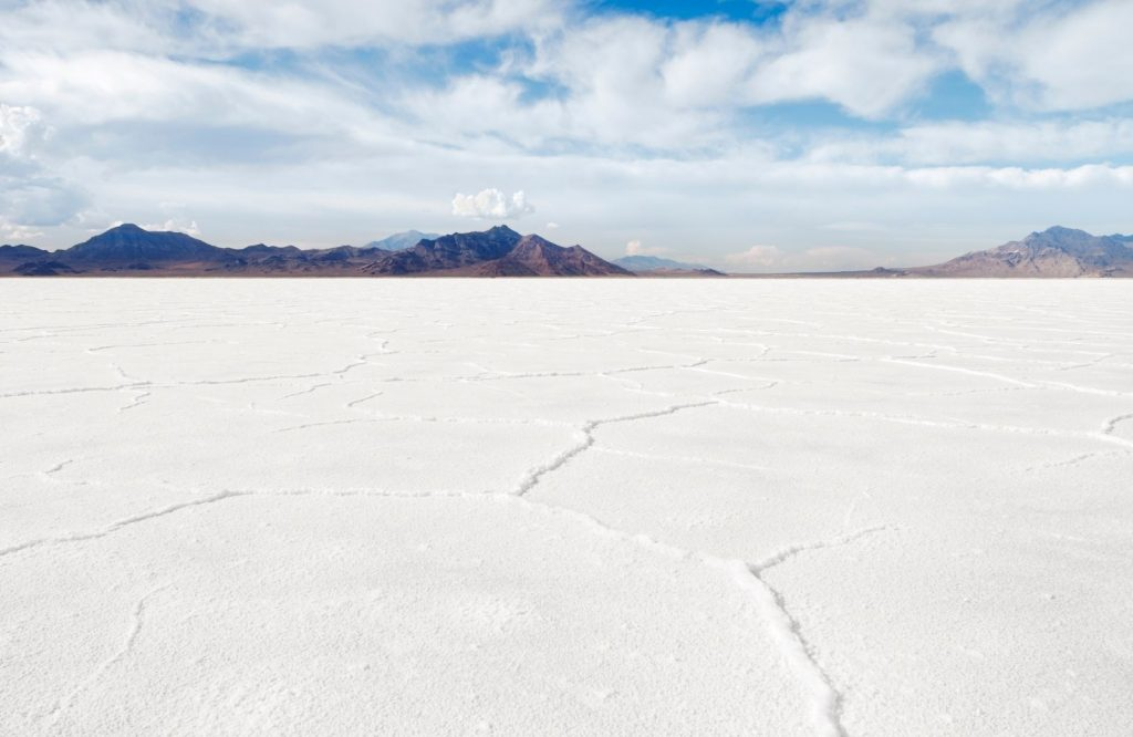 One of the best places to visit in Utah that you cannot miss are the Bonneville Salt Flats.