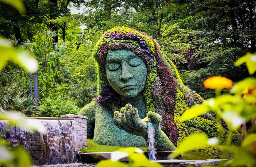 If you're looking for fun things for couples to do in Atlanta, stroll around the Atlanta Botanical Garden.