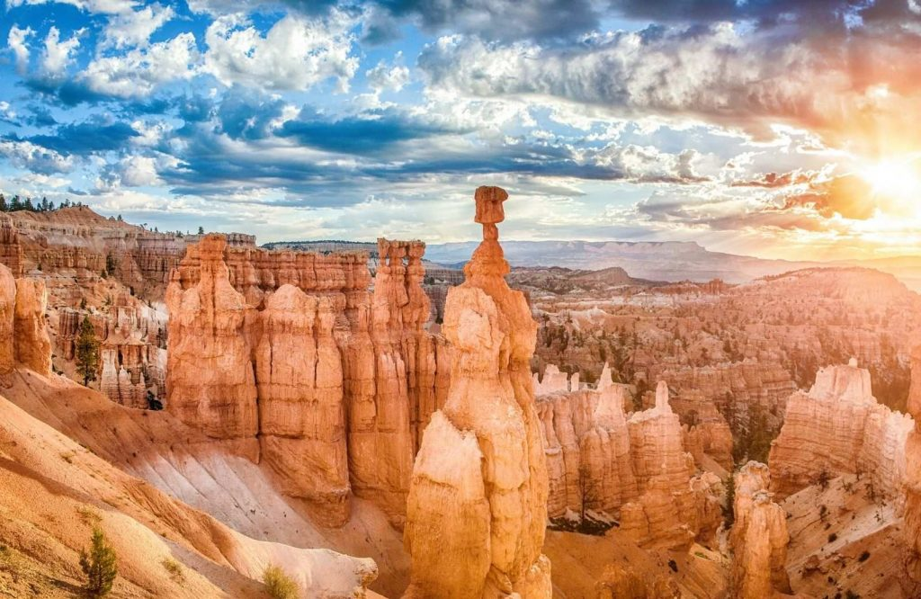 If you're looking for the best places to visit in Utah, Bryce Canyon is worth a visit.