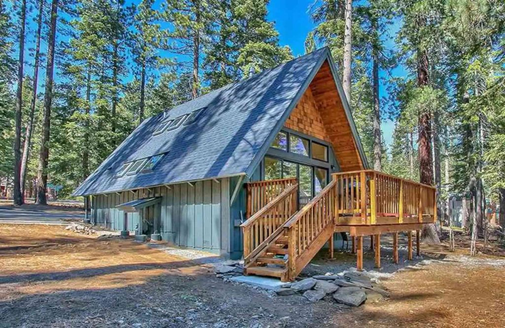 If you're looking for the best airbnbs in Lake Tahoe, be sure to check out this Modern Mountain A-Frame.