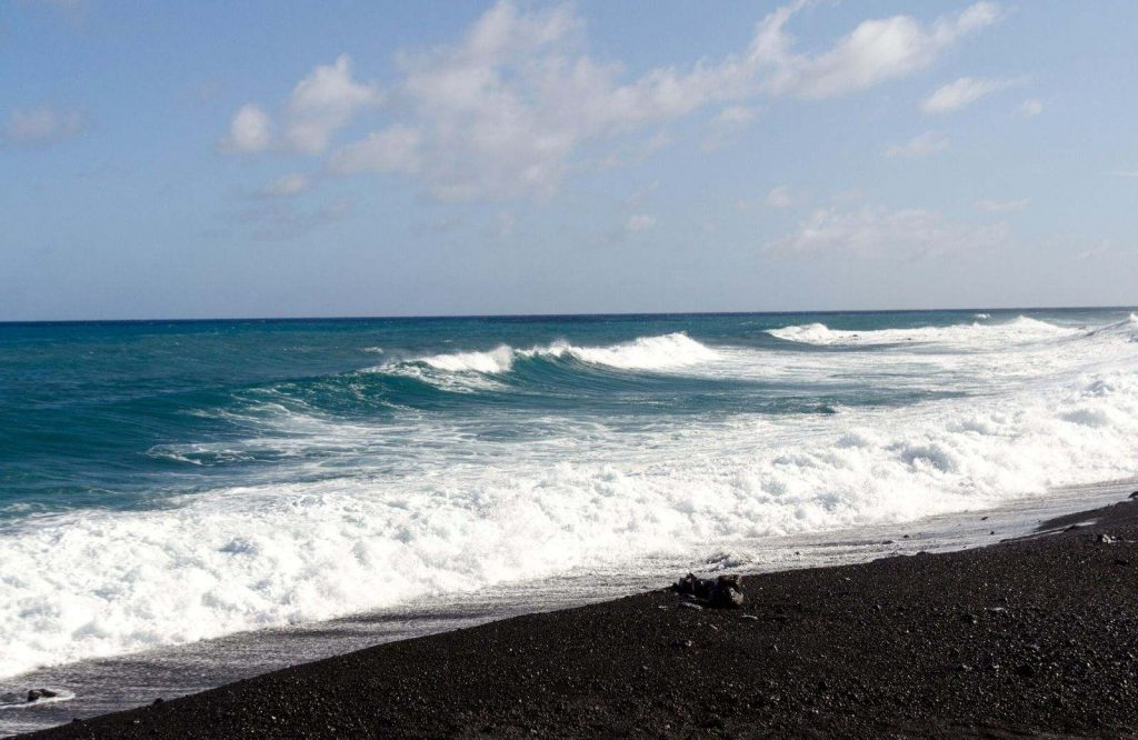 Add Pohoiki Beach to your list of the best beaches in the USA.