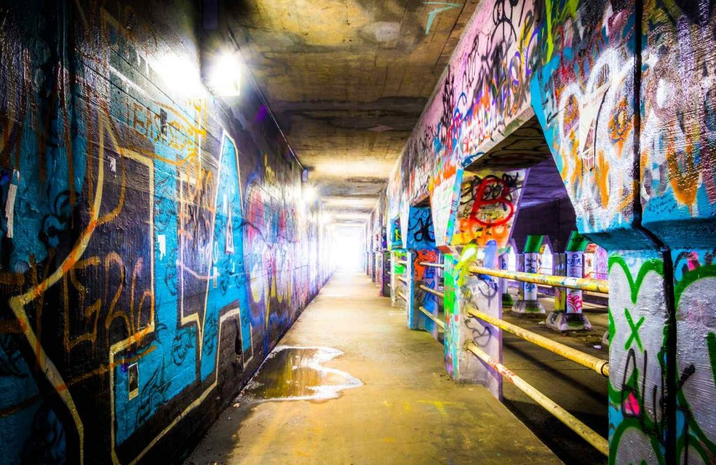 There are so many fun things to do in Atlanta for couples and admiring street art is one of them.
