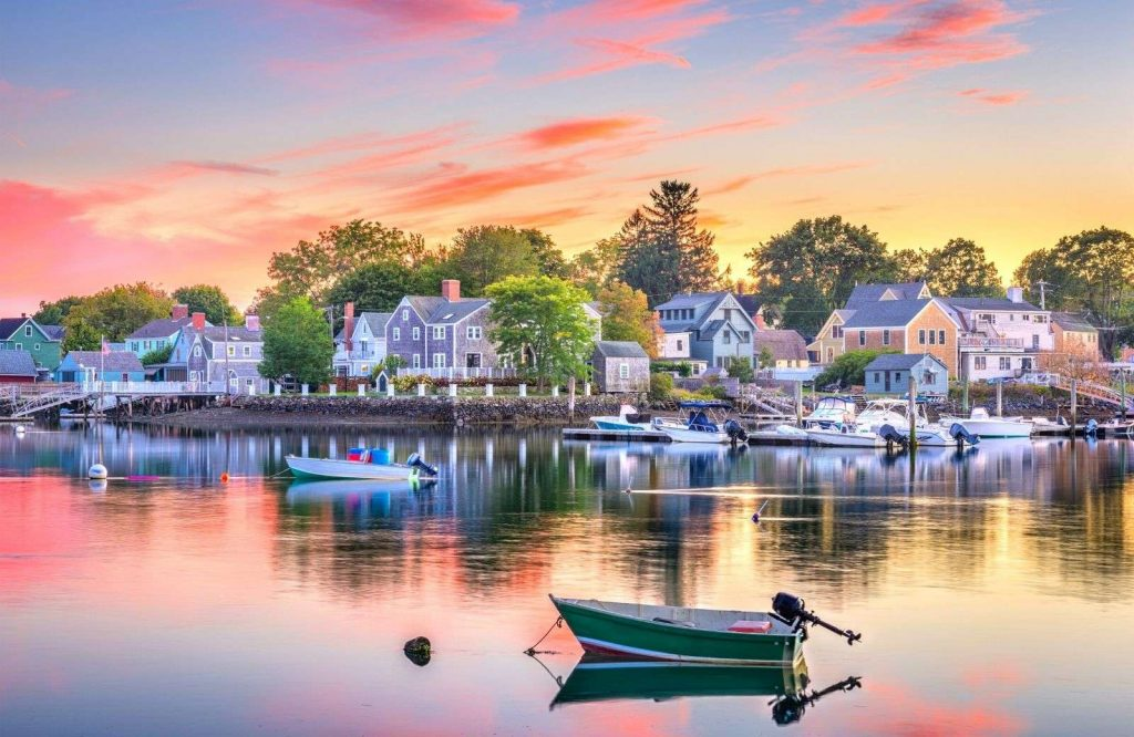 One of the coziest romantic getaways in New England is Portsmouth, New Hampshire.
