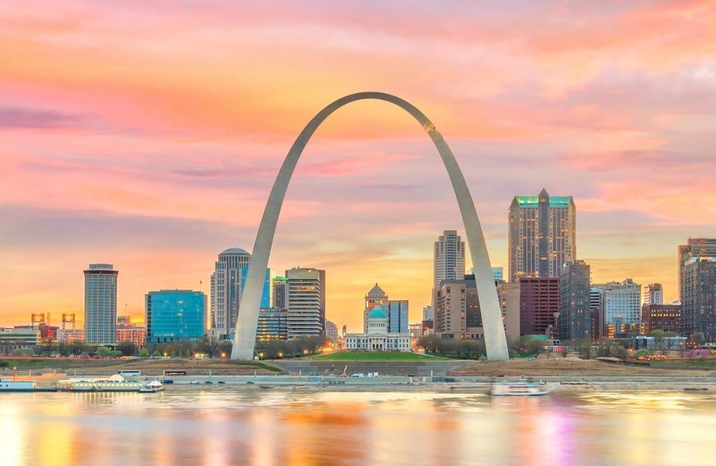 The Gateway Arch is one of the most iconic Route 66 attractions.