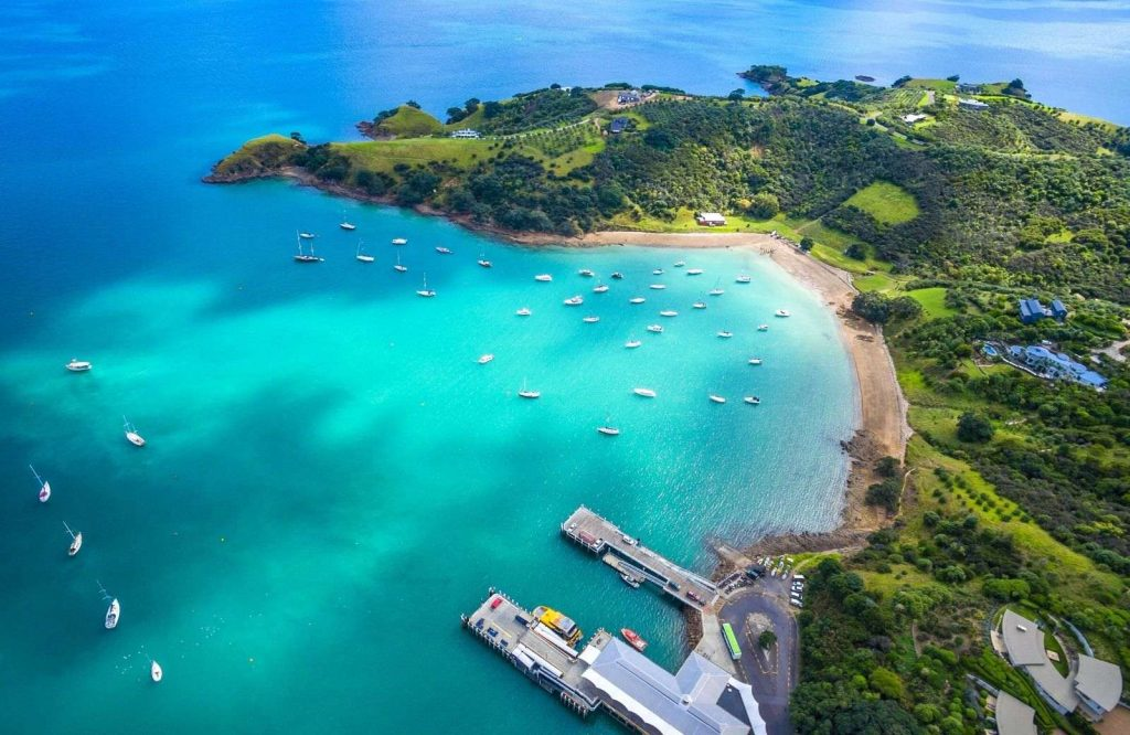 One of the coolest day trips from Auckland is Waiheke Island.