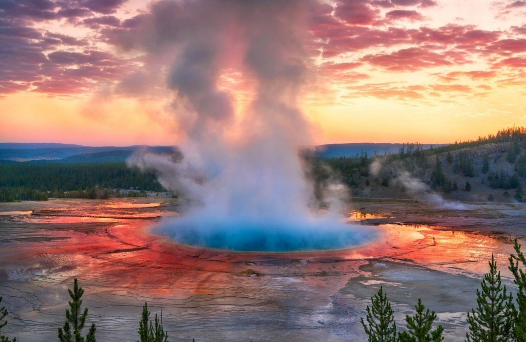 Another one of the most incredible national parks on the West Coast is Yellowstone.